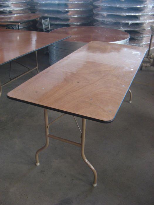 """שולחן מלבני 1.88/0.80 ס""""מ"""