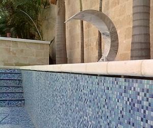 בריכת שחייה פרטית