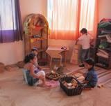 ילדים משחקים בגן החדש
