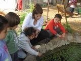 איבתיסם והילדים חוקרים את החיים במים