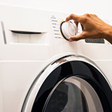 מכונות ומייבשי כביסה
