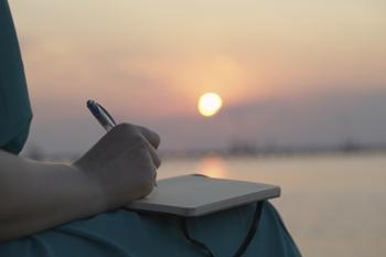 כתיבת תוכן לאתר מול השקיעה