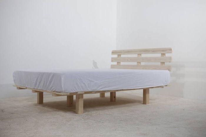 בסיס מיטה יחיד/זוגי מעץ מלא