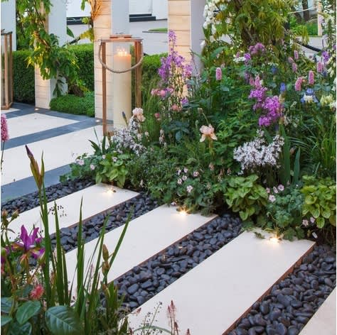 גינון בקריות! עושים עם גנן שמכיר היטב את הסביבה וזמין באופן מידי.