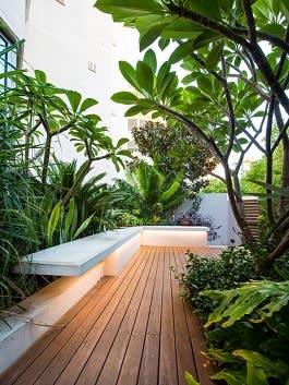 שדרוג גינה במרפסת שמש