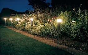 עיצוב תאורה לגינה
