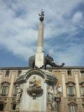 הפיל ועליו האובליסק - סמלה של העיר קטניה