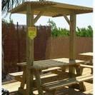 """שולחן עץ קק""""ל עם גג"""