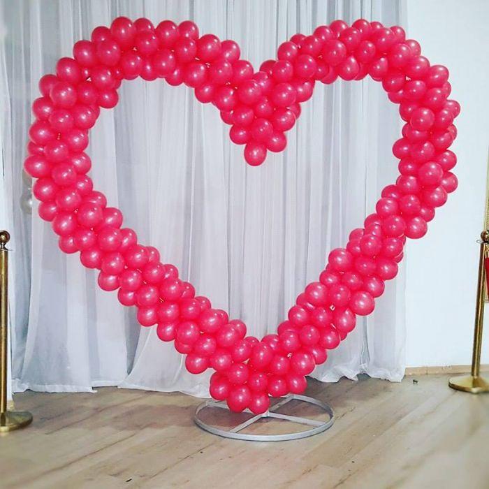 לב בלונים ענק