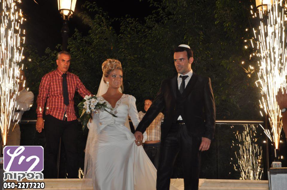 זיקוקין לחתונה,זיקוקים לאירועים,זיקוקים כניסה