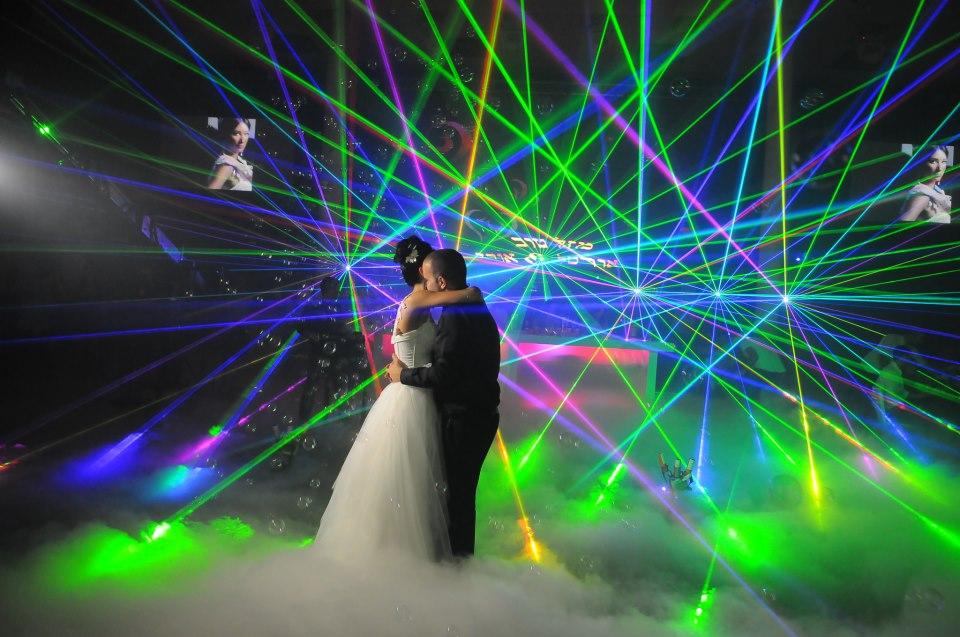 לייזרים לאירועים,לייזרים לחתונה,לייזרים לבר מצווה