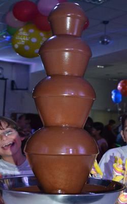 השכרת מכונת מפל שוקולד