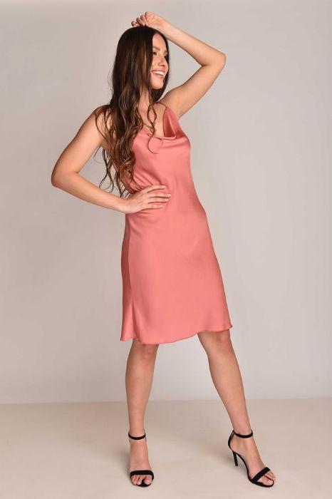 שמלה סטן בצבע ורוד