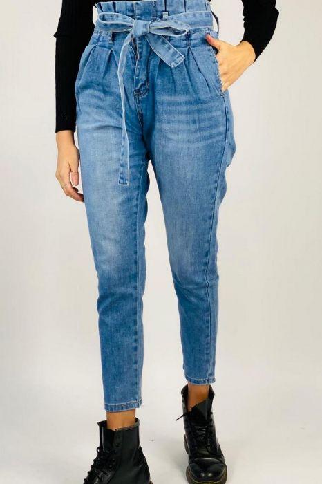 ג'ינס דגם לורה