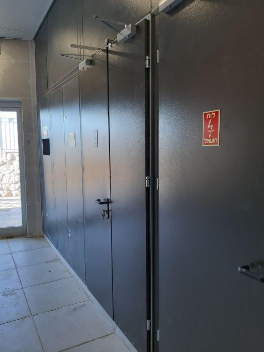 דלת אש - ארון חשמל