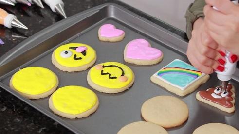 עוגיות EMOJI