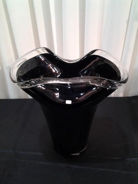 10149-כלי זכוכית שחור