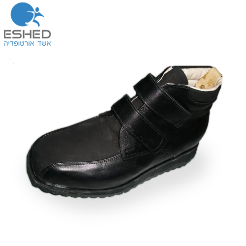 נעל גבוהה שחורה