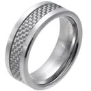 """טבעת טונגסטן לגבר מוחלקת עם עיטור פנימי של סיבי קרבון 8 מ""""מ."""