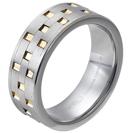 """טבעת טונגסטן לגבר מוברשת ומוברקת עם חריטות בעלות מילוי זהב 8 מ""""מ."""