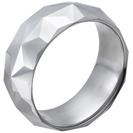 """טבעת טונגסטן לגבר מוברקת עם חיתוכים דמויי יהלום כוכב 9 מ""""מ."""