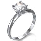 טבעת אירוסין סוליטר בהשראת עיצוב קלאסי המשובצת ביהלום מרכזי עגול