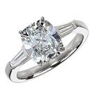 """טבעת אירוסין משובצת בשני יהלומים בחיתוך """"טייפר באגט"""" במשקל כולל של כ- 0.34 קרט בצבע G וניקיון VS1."""