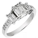טבעת אירוסין 3 יהלומים משובצת ב 8 יהלומים צדדיים במשקל כולל של כ- 0.12 קרט בצבע H וניקיון VS2.