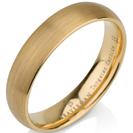 טבעת נישואין מטונגסטן ברוחב 5 ממ בגימור מט מצופה בזהב צהוב 14 קראט.