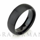 """טבעת לגבר ברוחב 8 מ""""מ העשויה טונגסטן עם ציפוי שחור בגימור מוברש"""