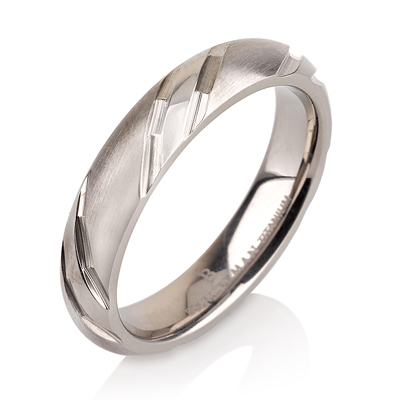 Titanium wedding bands - Delicate brushed and polished titanium ring with engraved trims - 4mm
