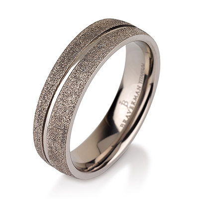 Titanium wedding bands - Sandblast titanium ring with polished engraved center - 6mm