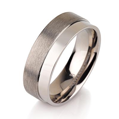 Titanium wedding bands - Brushed titanium ring with polished side - 7mm