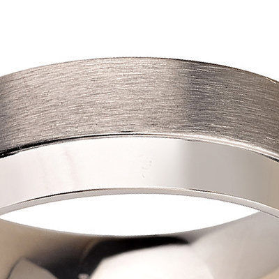 Titanium wedding bands - Brushed titanium ring with polished side - 7mm