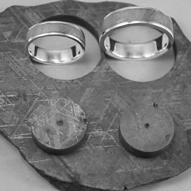 18k Gold Meteorite Wedding Band - Meteorite Ring - Natural Meteorite Ring - Meteorite Band - Meteorite Ring - Gibeon Meteorite Braverman