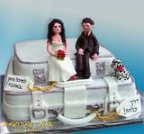 """עוגת חתונה - על מזוודות בדרך לחו""""ל..."""