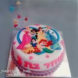 עוגת נסיכות דיסני - לשחר בת ה-3 (צילום מסלולרי...)