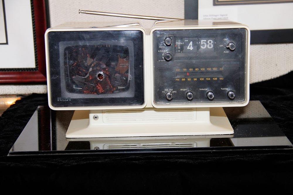 מכשיר הטלוויזיה שאלביס ירה בו