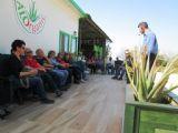 סיור מודרך והסברים על צמח האלוורה