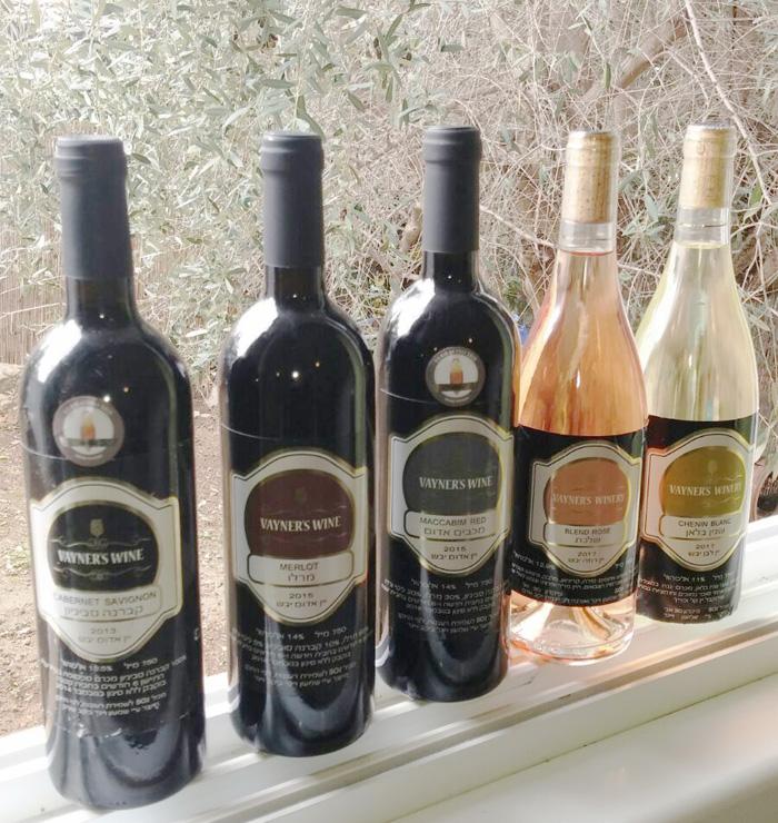 מיתוג בקבוקי יין - VAYNER'S WINE