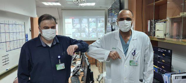 , צילום אלי דדוןפרופ בן אריה ודר קאסם במחלקת קורונה מרכז רפואי כרמל