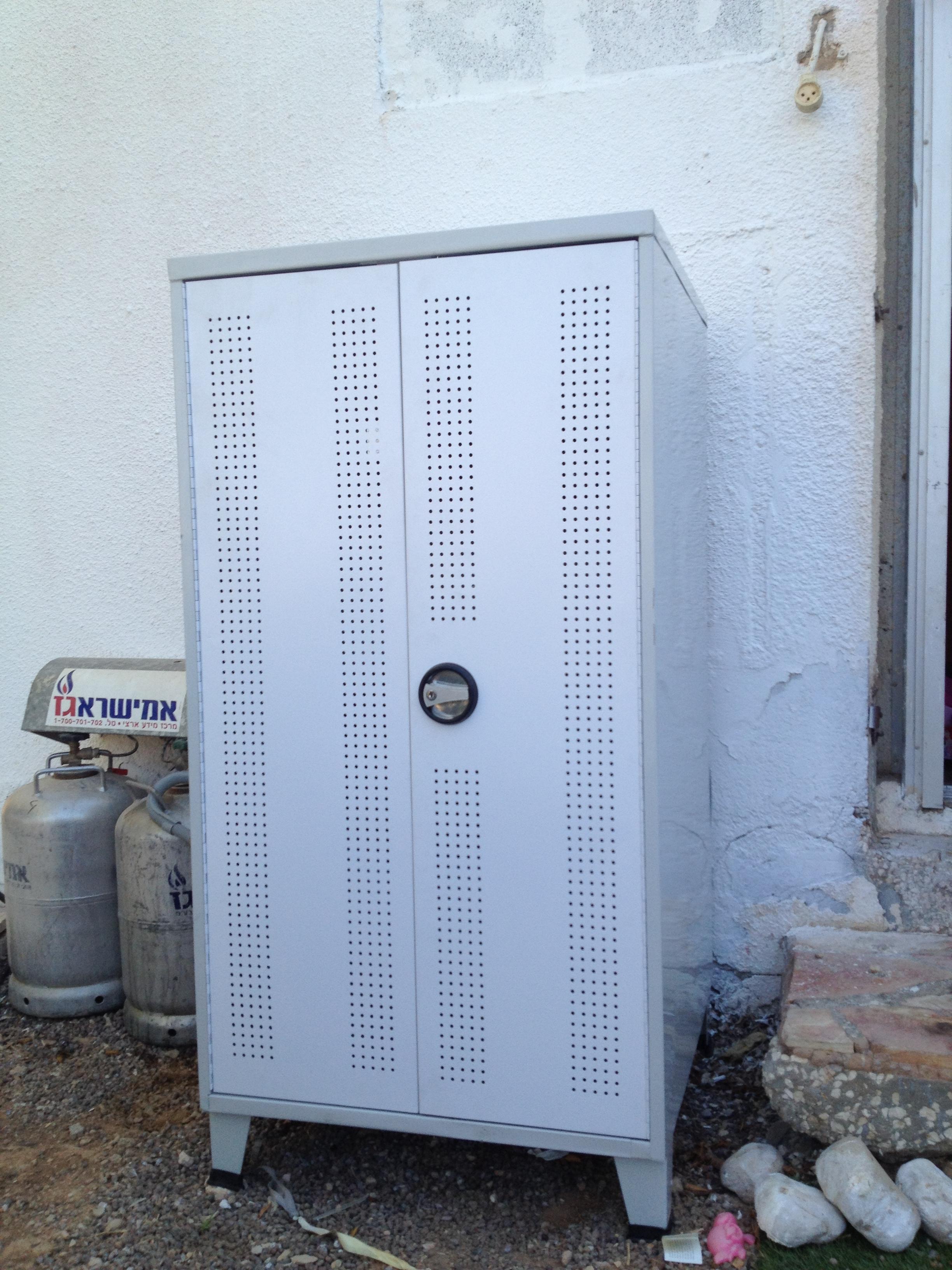 מגה וברק master lockers - ארון למכונת כביסה עמיד לתנאי חוץ EG-95