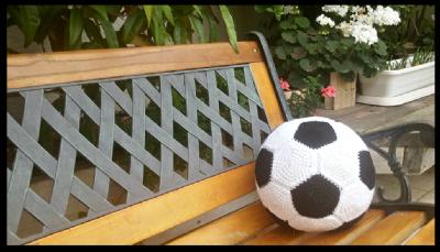 הוראות סריגה כרית כדורגל במסרגה אחת