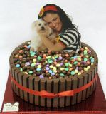 עוגת ממתקים עם הדפס עומד - הכל אכיל