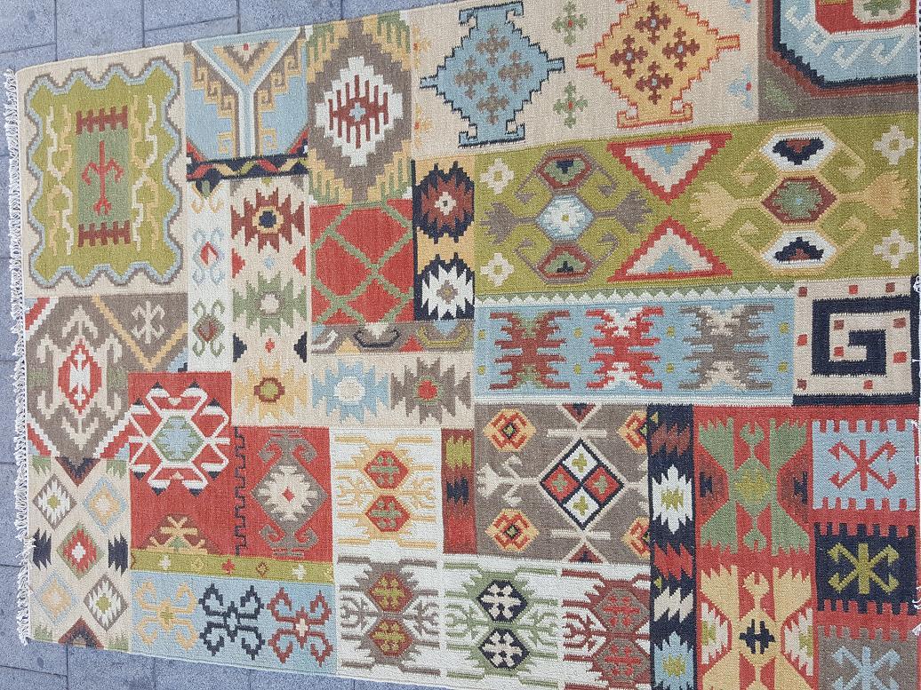 שטיח קילים טלאים צבעוני