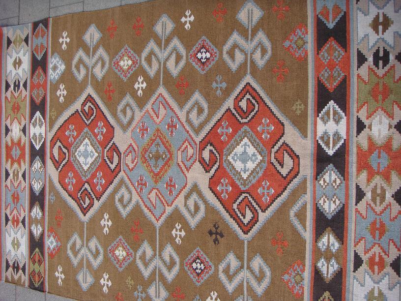 שטיח קילים תכלת בריק חום בהיר