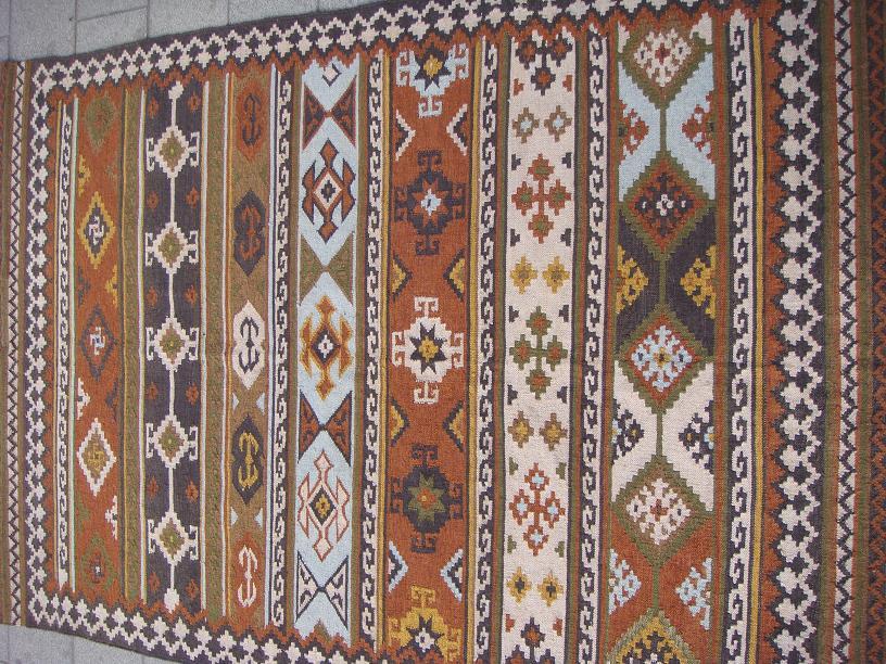 שטיח קילים שחור ירוק חום