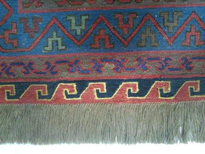 שטיח קילים סומק לאחר תיקון החור