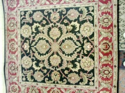 שטיח מרובע 183 ס''מ