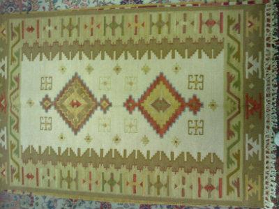 שטיח קילים בהיר